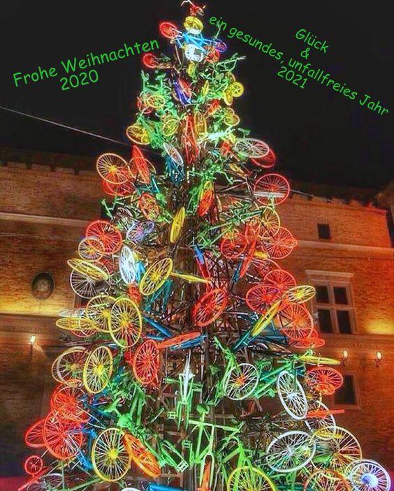 Weihnachtsbaum geschmückt mit Fahrrädern